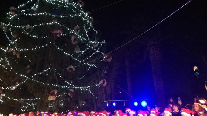 Albero di Natale e coro di Andora