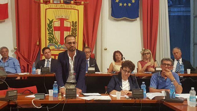 Diego Distilo durante il Consiglio Comunale di albenga