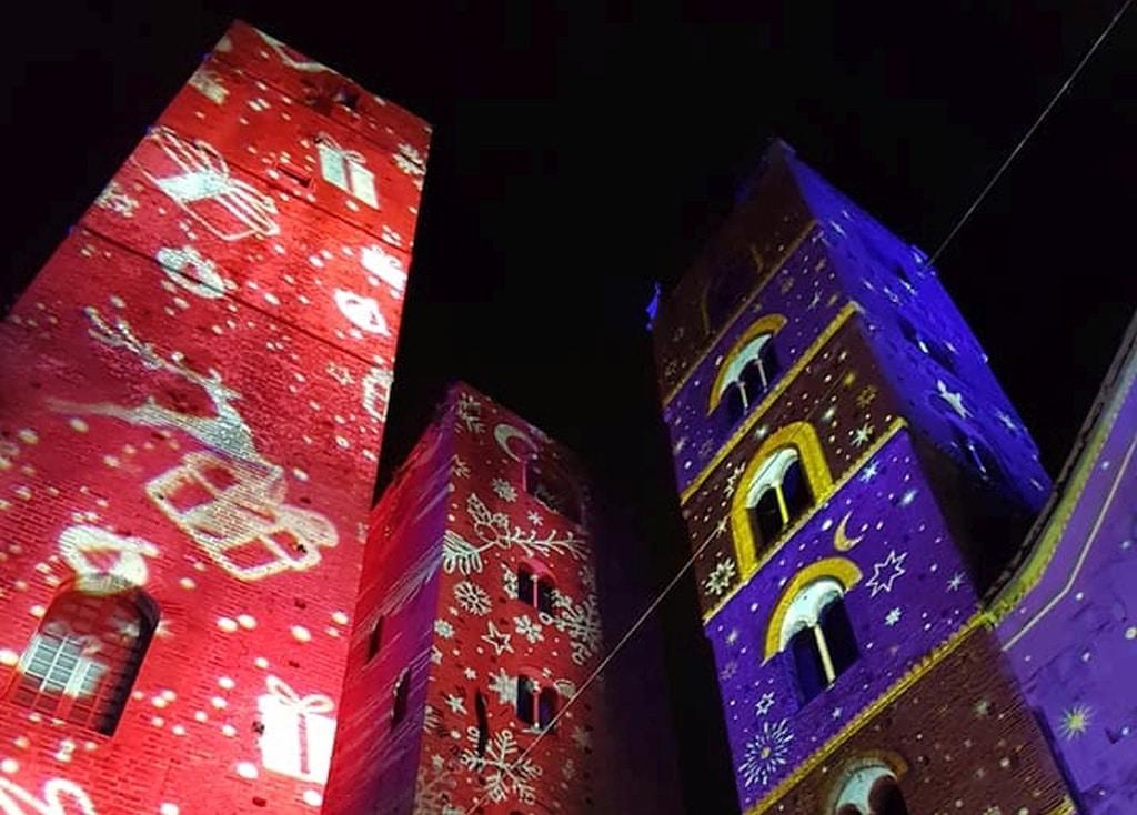Le torri natalizie di Albenga