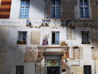 entrata teatro palazzo del Tribunale Finalborgo
