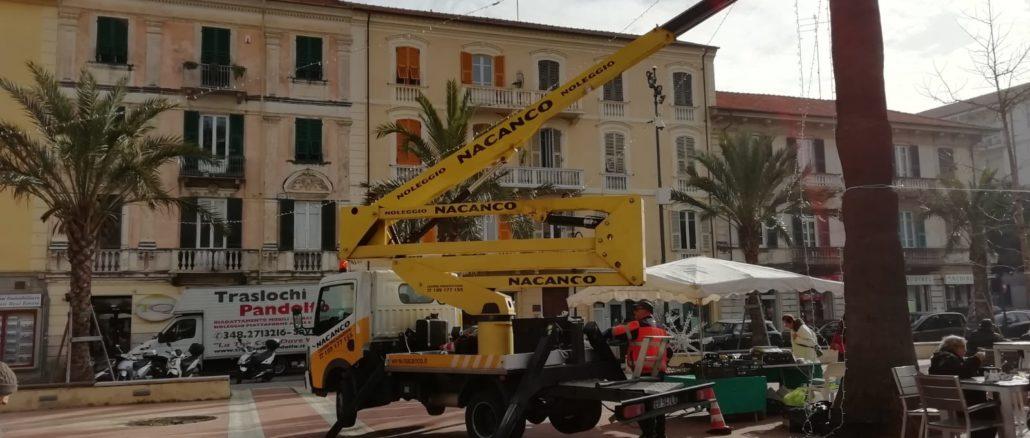 Piazza del Popolo preparativi Capodanno ad Albenga