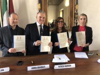 Assessore Andrea Benveduti alla firma del protocollo Nord Ovest