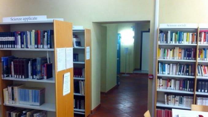 Interno della Biblioteca civica di Albenga