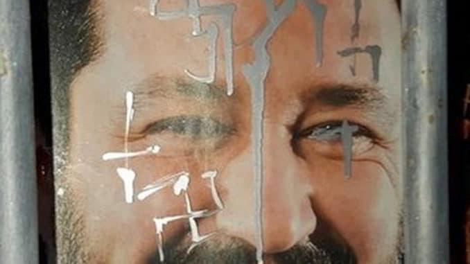 Manifesto di Salvini imbrattato ad Albenga