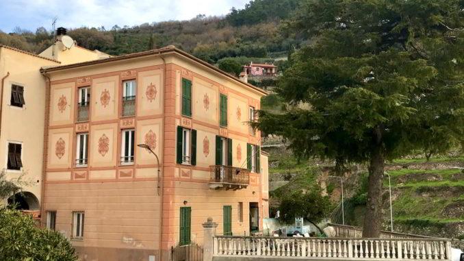 Il Palazzo della biblioteca civica di Tovo San Giacomo