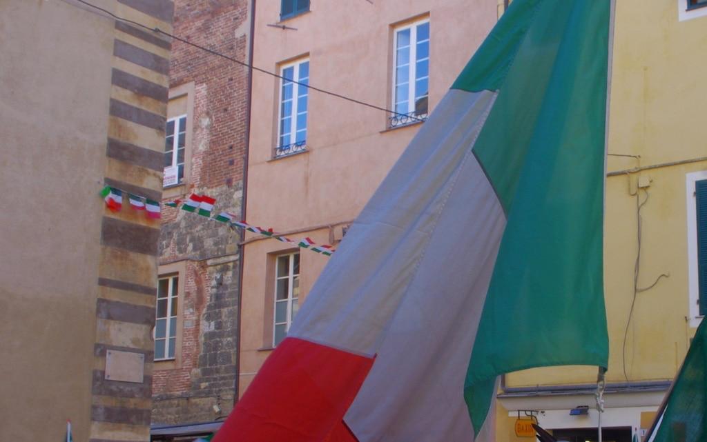Tricolore ad Albenga