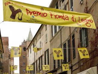 Bandiere Fionda di legno ad Albenga