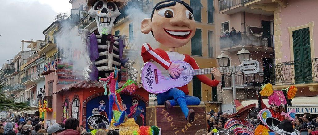 Il carro Coco sfila al carnevale di Loano