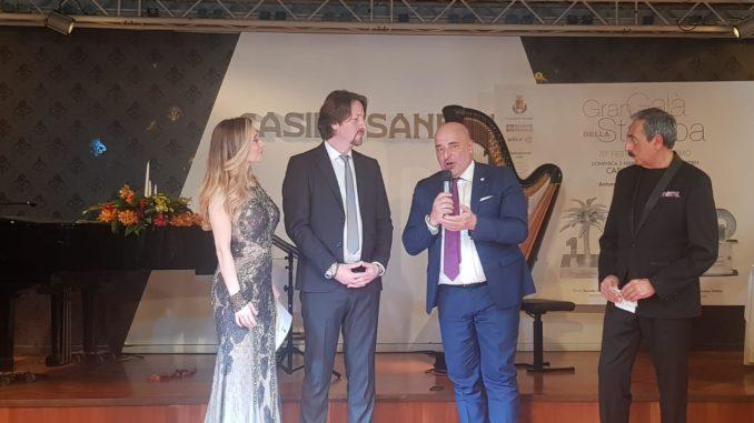 Gli assessori Berrino e Messina con i conduttori della serata Antonella Salvucci e Marino Bartoletti