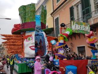 Carro allegorico al carnevale di Loano