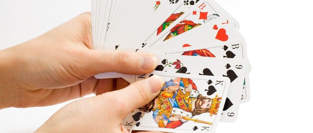 carte in mano