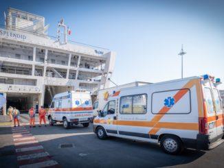 Genova, arrivo pazienti alla nave-ospedale GNV Splendid