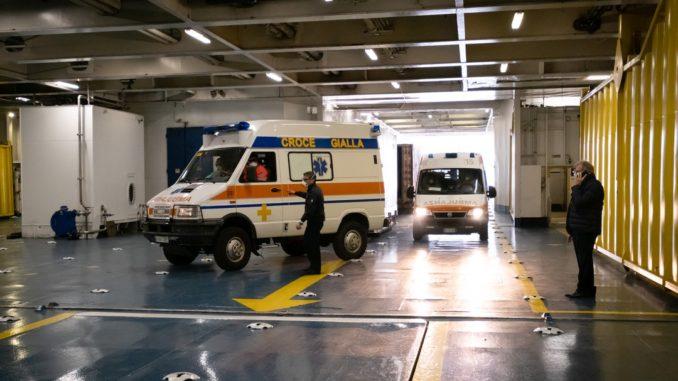 A bordo della GNV Spendid, la nave - ospedale attraccata a Ponte Colombo nel porto di Genova