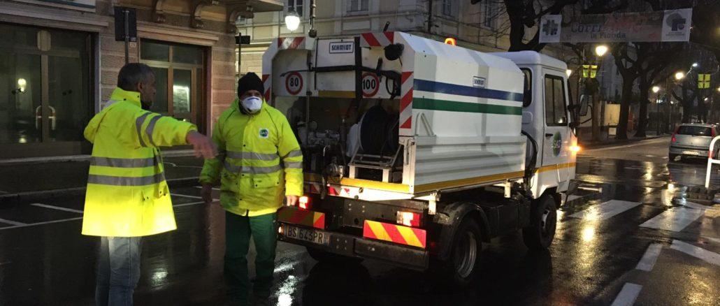 Sanificazione strade e piazze ad Albenga-04
