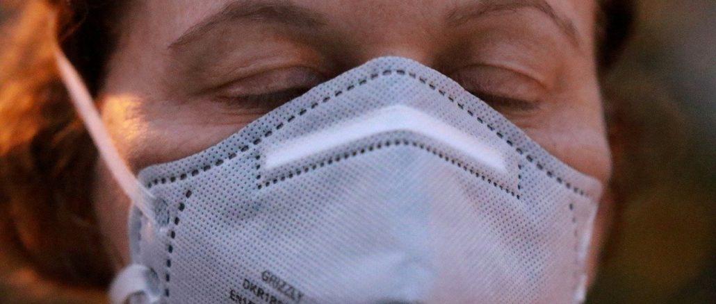 coronavirus mascherina protettiva