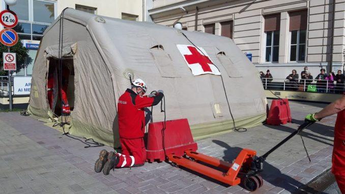 pre triage nella zona antistante al pronto soccorso ospedale Villa scassi a Sampierdarena
