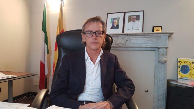 Il sindaco di Albenga Riccardo Tomatis