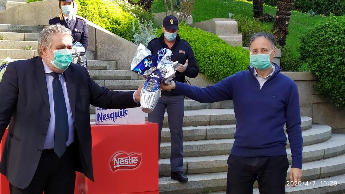 Genova donazioni Pasqua al Gaslini 03