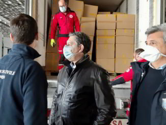 Regione Liguria consegna m ascherine Toti Giampedrone