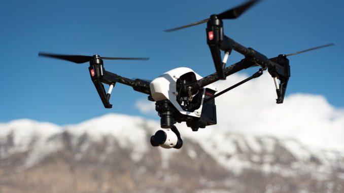 Un drone in volo