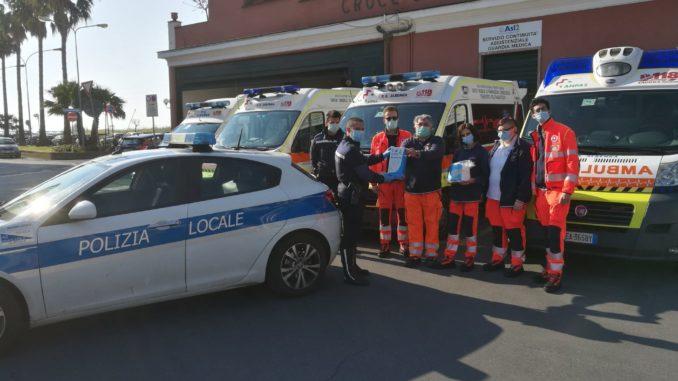 Donazione mascherine dalla Lega navale di Albenga alla Croce Bianca