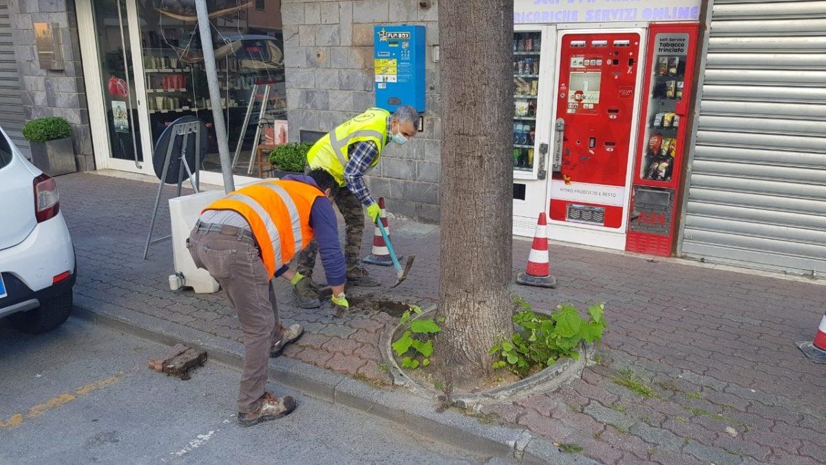 Lavori ad Albenga marciapiedi