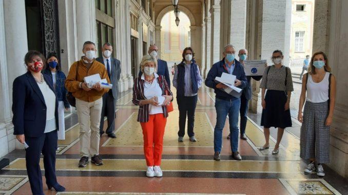 Donazione ecografi ad ospedali genovesi