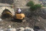 pulizia della foce delrio Palmero ad Alassio