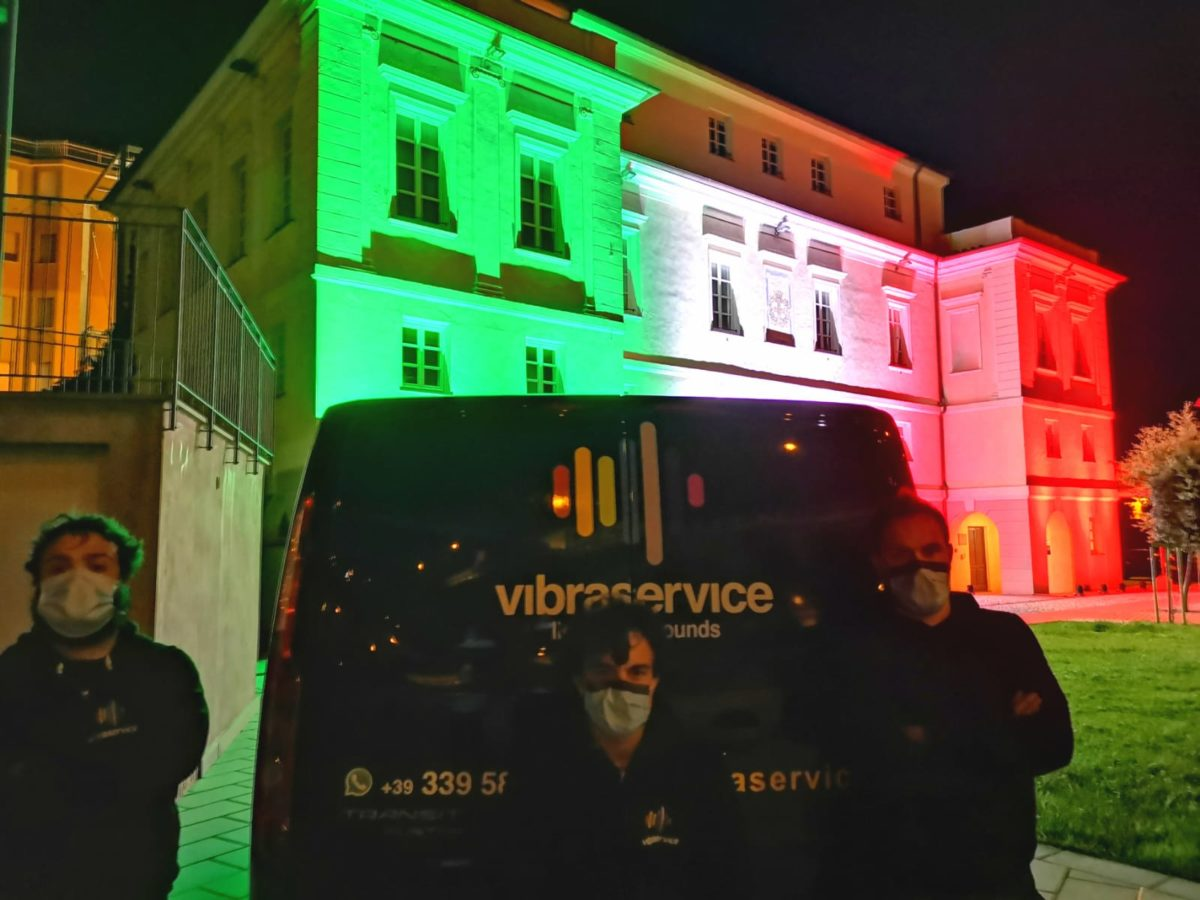 vibra service Albenga illumina Palazzo Tagliaferro ad Andora