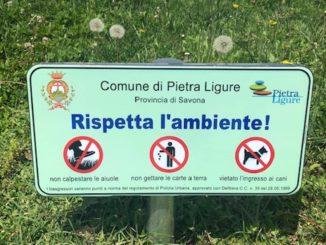 Cani cartello di divieto a Pietra Ligure