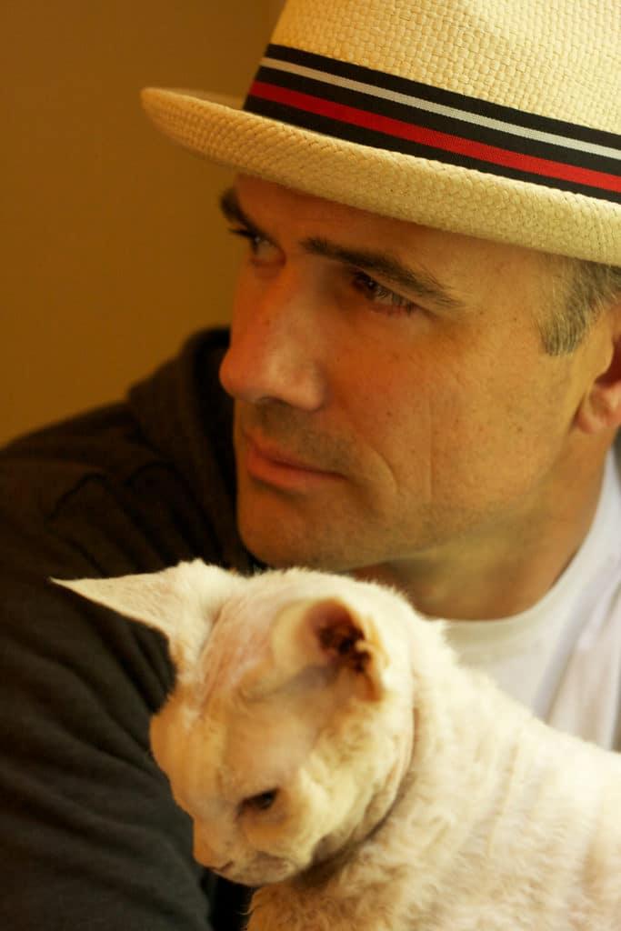 Mark Z. Danielewski with hat and cat