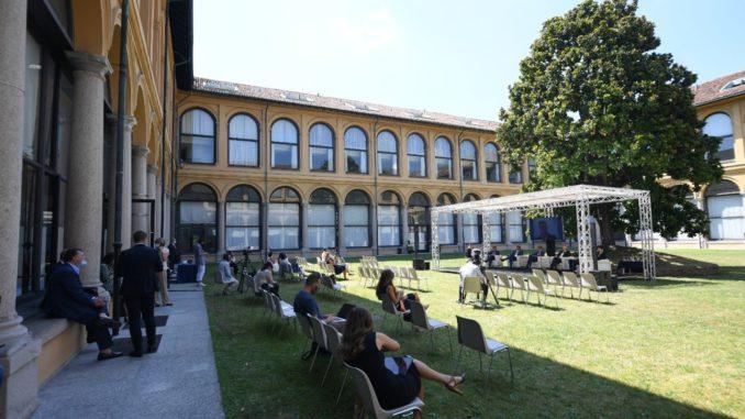 Salute Direzione Nord alla Fondazione Stelline