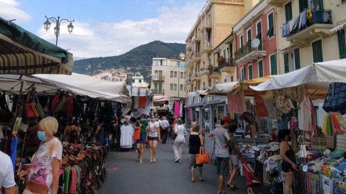 Alassio - Il Mercato in via Paccini