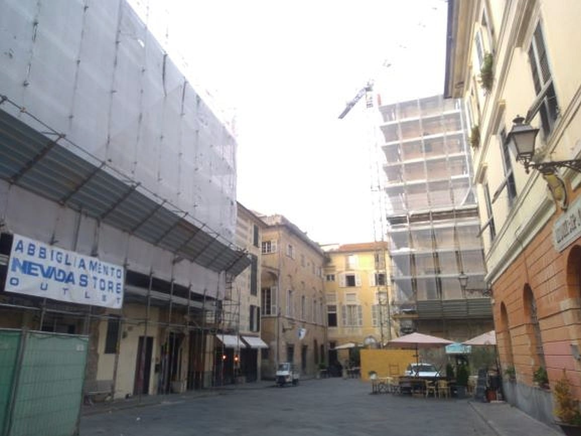 Albenga lavori nei palazzi del centro storico
