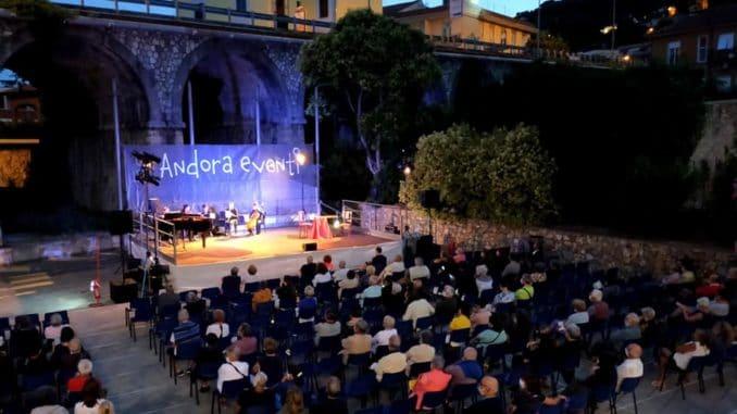Andora - manifestazioni estive ai giardini tagliaferro