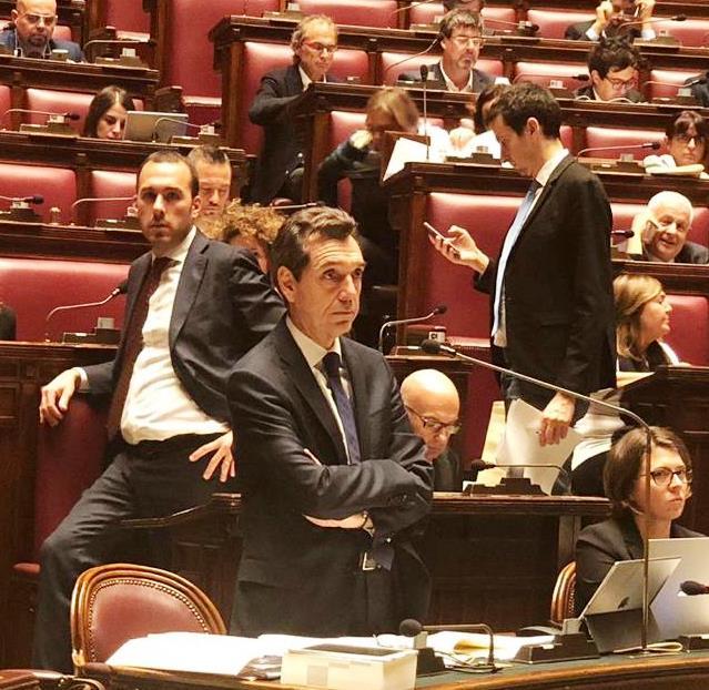 Franco Vazio in Parlamento