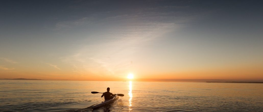 canoa verso orizzonte