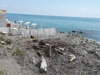 spiaggia fra Albenga e Alassio