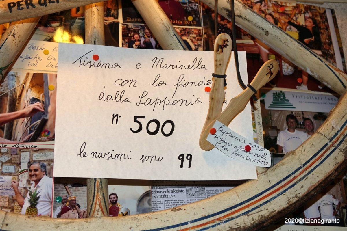 Albenga Piccolo Museo della Fionda consegna Fionda dalla Lapponia03