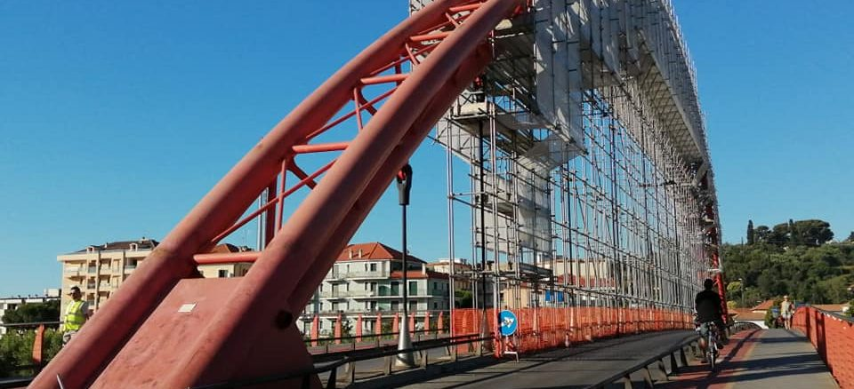 Il ponte rosso - Albenga impalcature Ponte Viveri