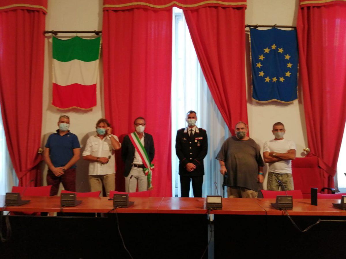 In Comune ad Albega - rossi comitato cittadini