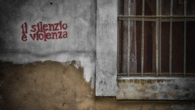Matteo Musetti - Il silenzio è violenza - fotografia