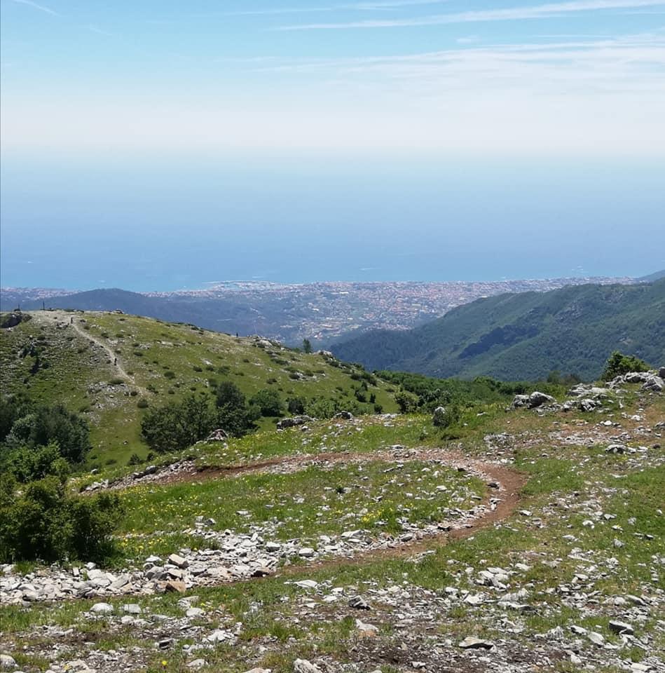 Sentiero 2M - Monte Carmo
