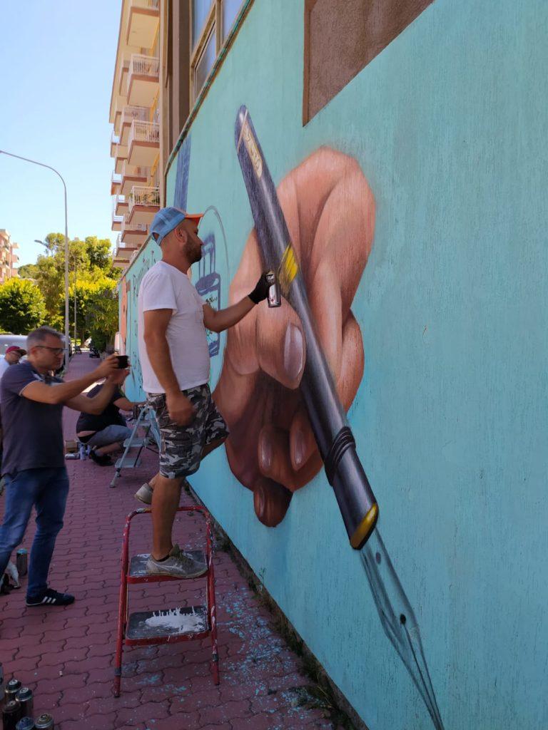 murales in onore di Pinketts e Scerbanenco