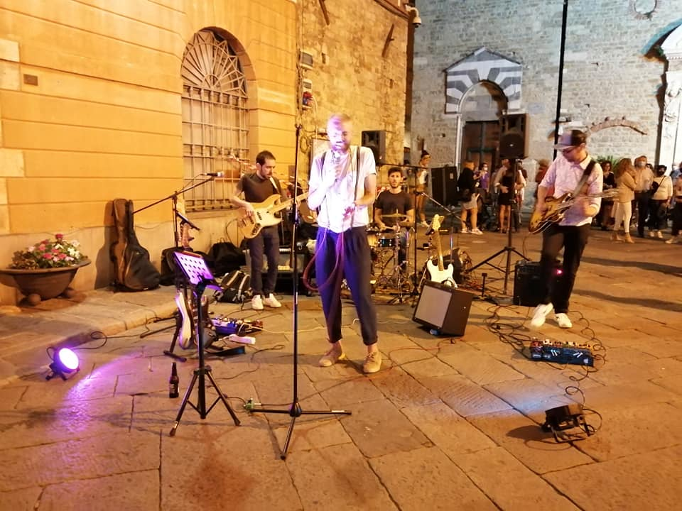Albenga - musicisti centro storico 2