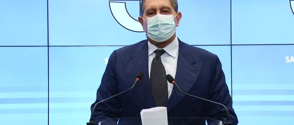Giovanni Toti in Regione Liguria nella Sala Trasparenza