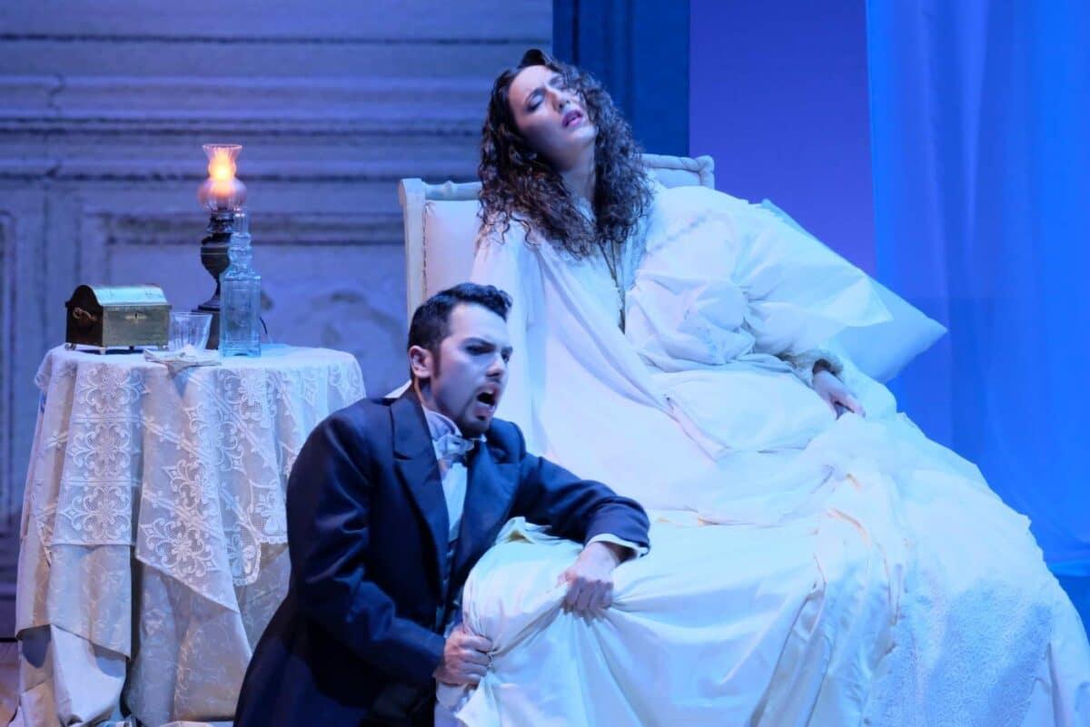 Savona La Traciata in scena al teatro Chiabrera