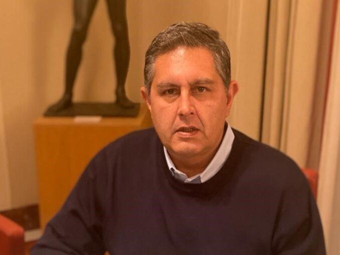 foto presidente Regione Liguria Giovanni toti