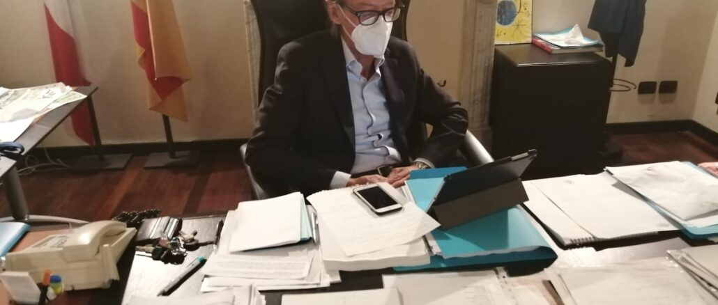 Sindaco Albenga Riccardo Tomatis videoconferenza