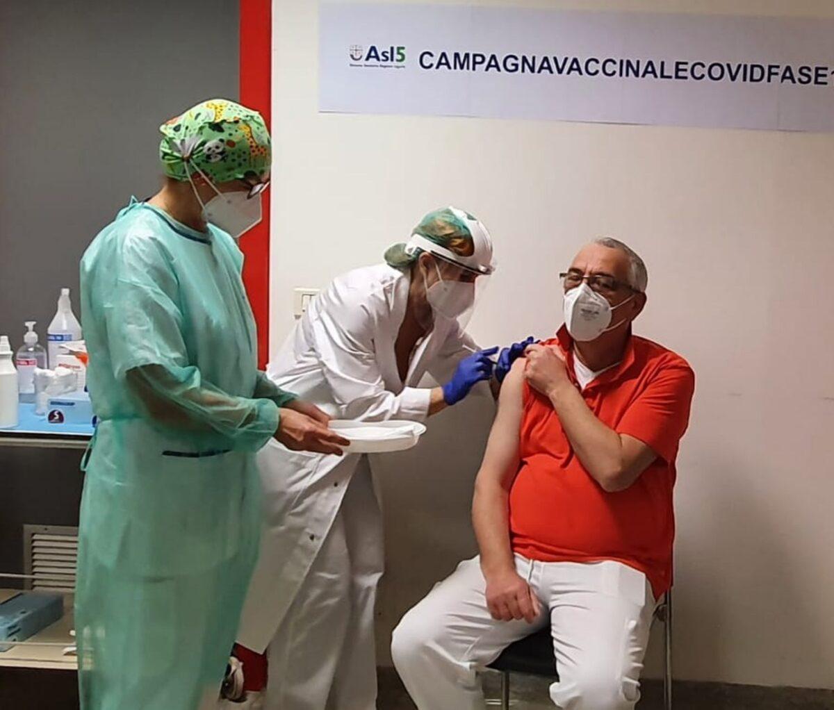 ASL5 San Bartolomeo primo vaccinato Raffaele Staffiere responsabile PS